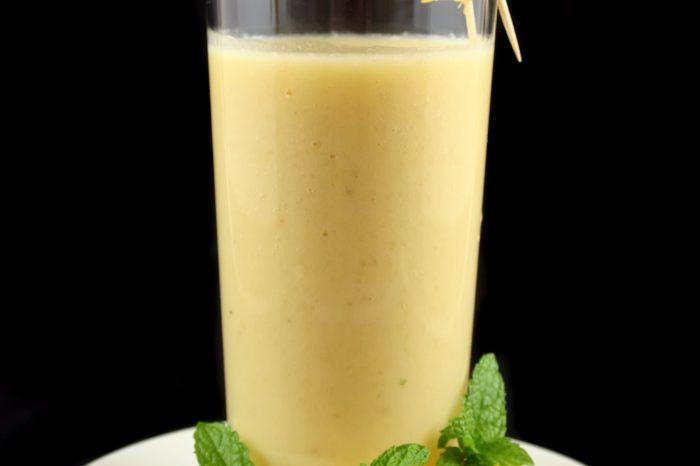 Reteta de smoothie antidepresiv. Ce fructe si seminte trebuie sa combini pentru un boost de fericire
