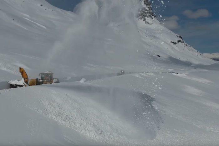 Zapada nu e o provocare pentru ei. Cum se curata un drum montan in Norvegia VIDEO