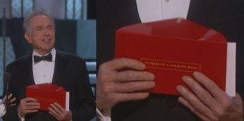 OSCAR 2017. Gafa lui Warren Beatty nu a scapat netaxata de fanii ceremoniei. Astea sunt cele mai tari meme care au aparut pe cartonasul prezentat de vedeta