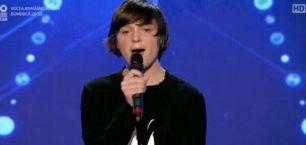 Are doar 15 ani si deficiente de auz, dar a uimit juratii de la ''Romanii au talent''! Cum a reusit sa cante acest tanar