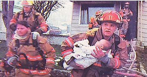 Acest pompier a salvat o fetita in urma cu 17 ani. Ce gest a facut ea pentru el, in prezent!
