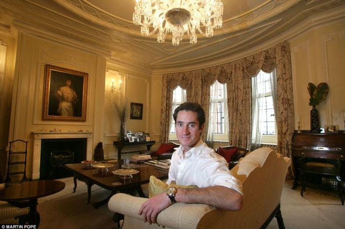 Cum arata fostul cuib de burlac al viitorului sot al Pippei Middleton! James Matthews a vandut casa cu 40 milioane de lire. Socul e tabloul din dormitor