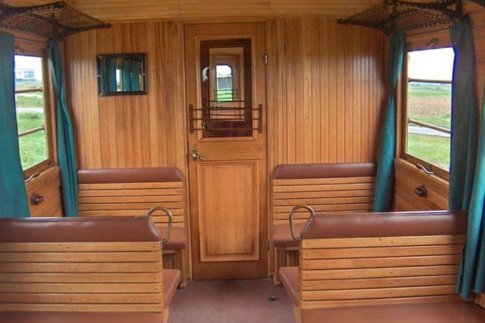Primul tren electric din Romania, ''Sageata Verde'', a fost repus in functiune in scop turistic VIDEO