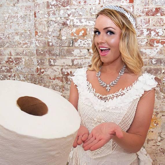 Rochia de mireasa din hartie igienica