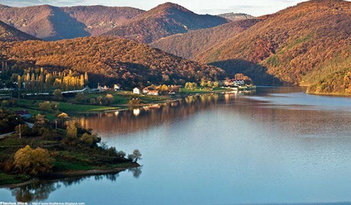 Blestemul lacului Cincis: istoria lui s-a nascut din drama locuitorilor a cinci sate! Povestile infioratoare ale acestui loc