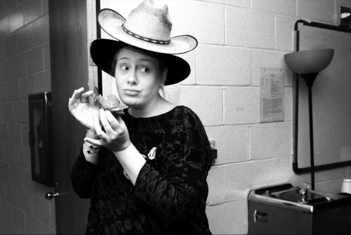 Adele nu se epileaza!