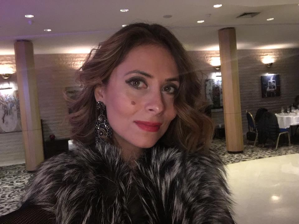 Bianca Sarbu s-a casatorit la o luna de relatie!