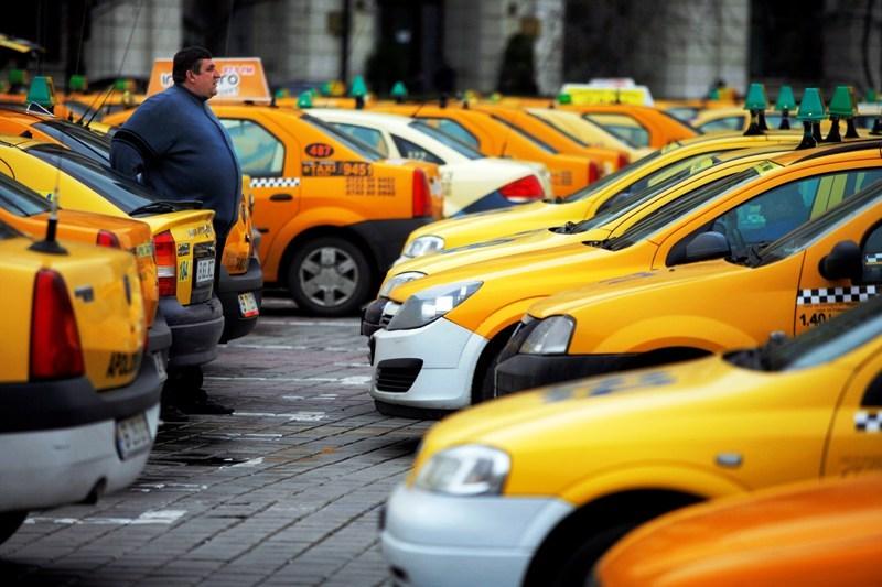 Unde suni cand taximetristii iti refuza cursa sau negociaza pretul cu tine