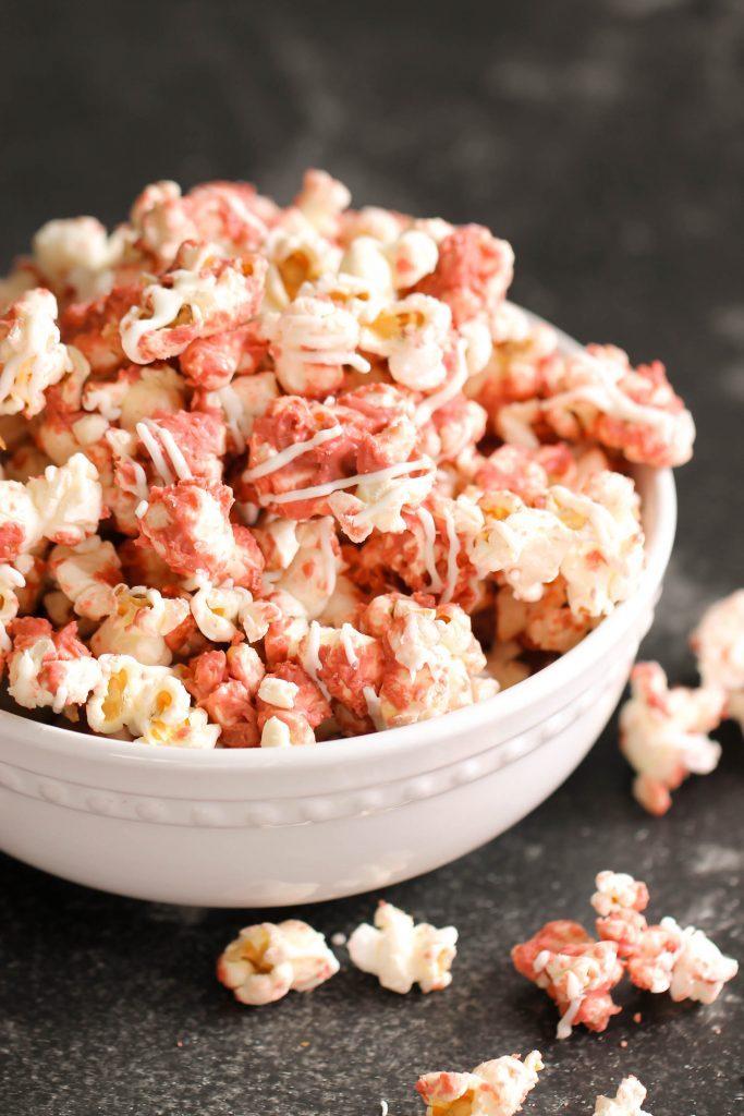 De ce sare popcornul Procesul stiintific ce are loc in fiecare boaba de porumb