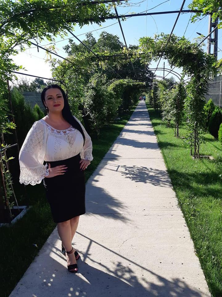 Cum a slabit Silvana Riciu 10 kg. Cantareata de muzica populara ne-a spus secretul ei