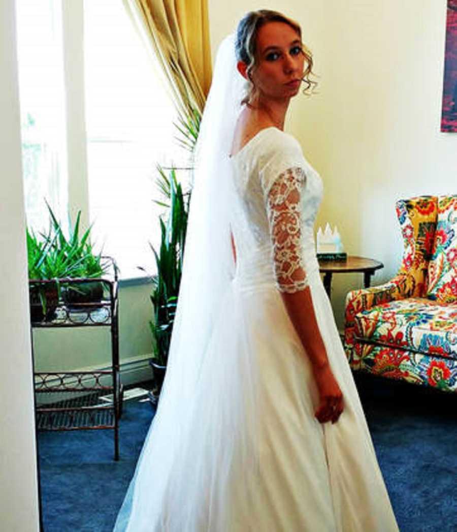 Si-a anulat nunta dupa ce a aflat secretul murdar al mirelui (2)