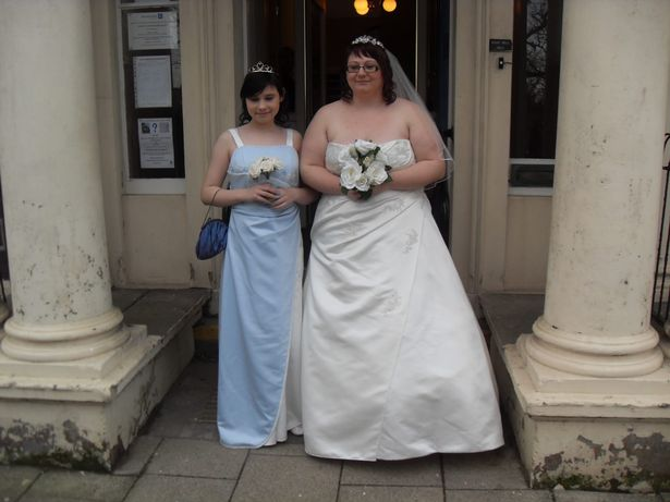 Abia s-au casatorit si a inselat-o! Surpriza cu cine si-a gasit sotul in pat. Nu i-a venit sa creada