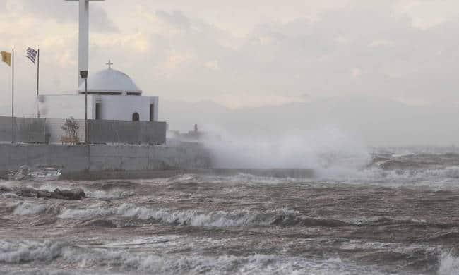 Ciclonul Zorba Grecia