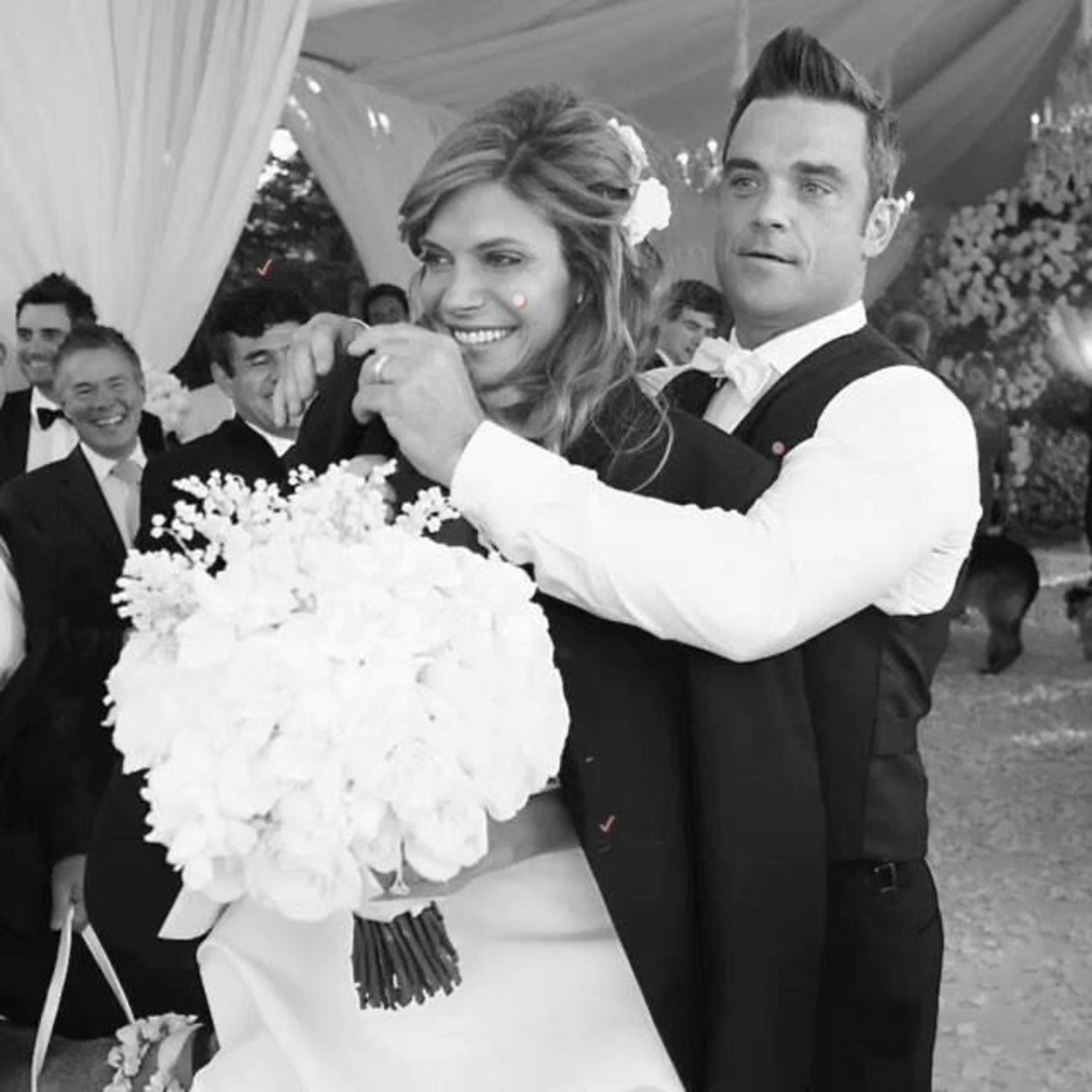 Totul a fost secret! Robbie Williams si Ayda Field au un nou copil