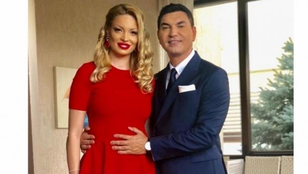 Valentina Pelinel si Cristi Borcea sunt in culmea fericirii. Au aflat sexul copiilor!