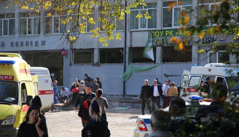 Atentat SANGEROS! 18 elevi au murit si 40 au fost raniti in urma unui atentat cu bomba intr-o scoala VIDEO