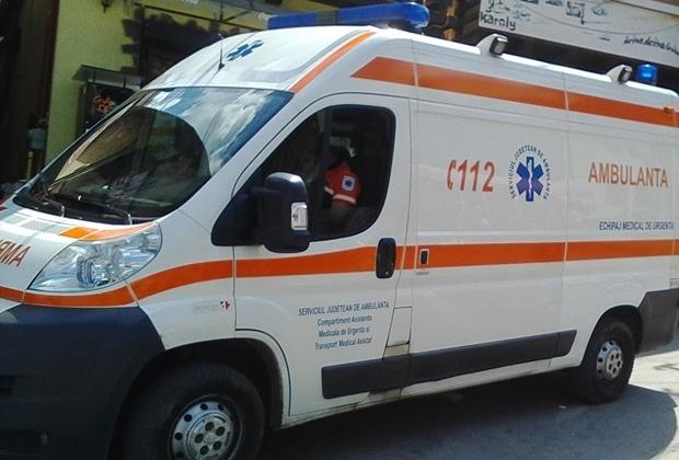 INFIORATOR! Un barbat din Hunedoara si-a taiat gatul si s-a injunghiat in burta