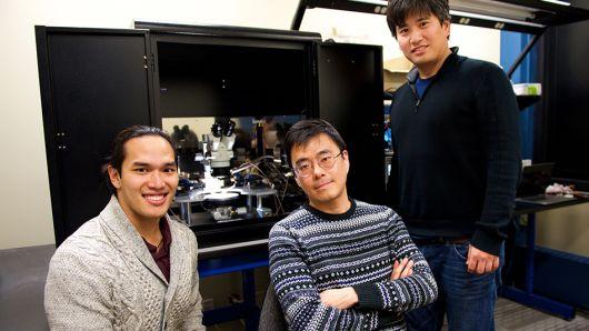 Oamenii de ştiinţă au creat un cip care va accelera dezvoltarea inteligenţei artificiale