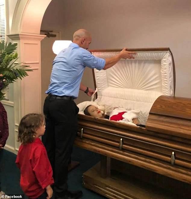Un barbat a postat poze cu sotia moarta si copilul nenascut pentru a trage un semnal de alarma