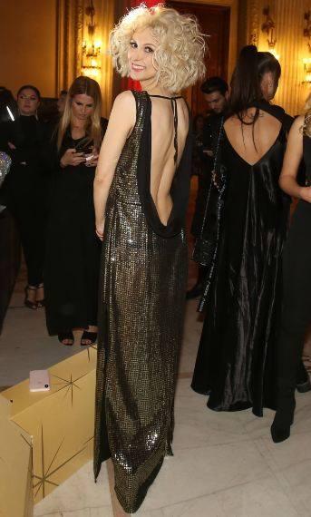 Andreea Balan, sclipitoare si cu burtica de gravida la vedere la petrecerea Gala Elle Style Awards