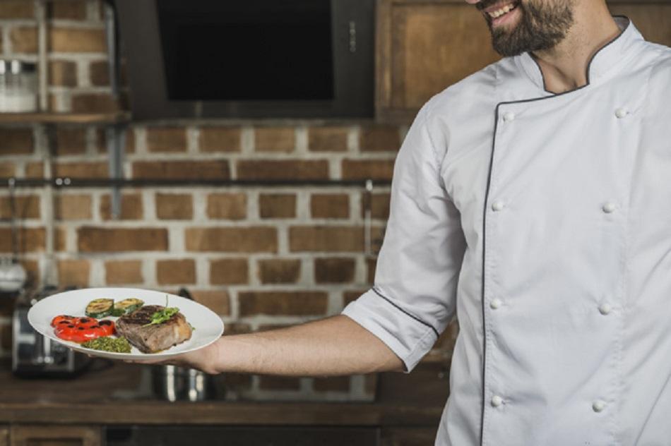 Clientii unui restaurant au primit carne de om in farfurii