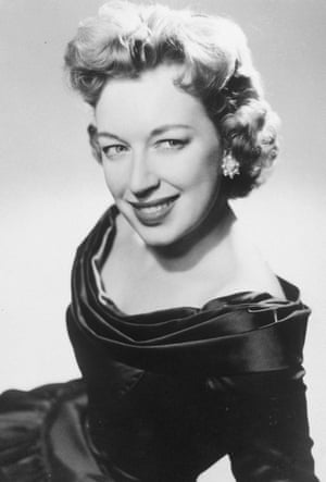 Actrita June Whitfield a murit la 93 de ani