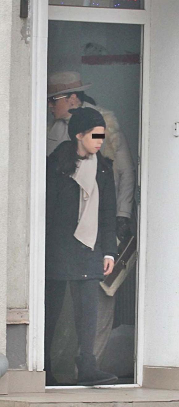 Andreea Marin, suspecta de cancer Vedeta a marturisit ce interventie si-a facut la coloana