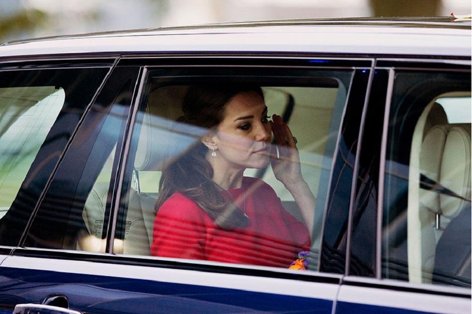 Kate Middleton, parasita de Craciun de Printul William
