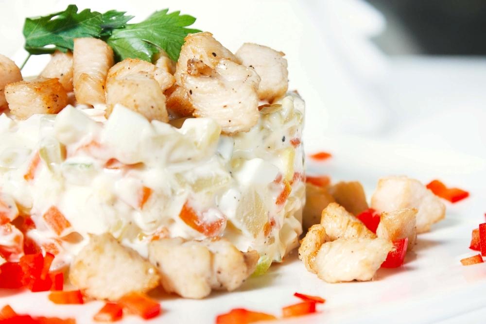 Reteta salata de boeuf cu piept de pui, un deliciu light!