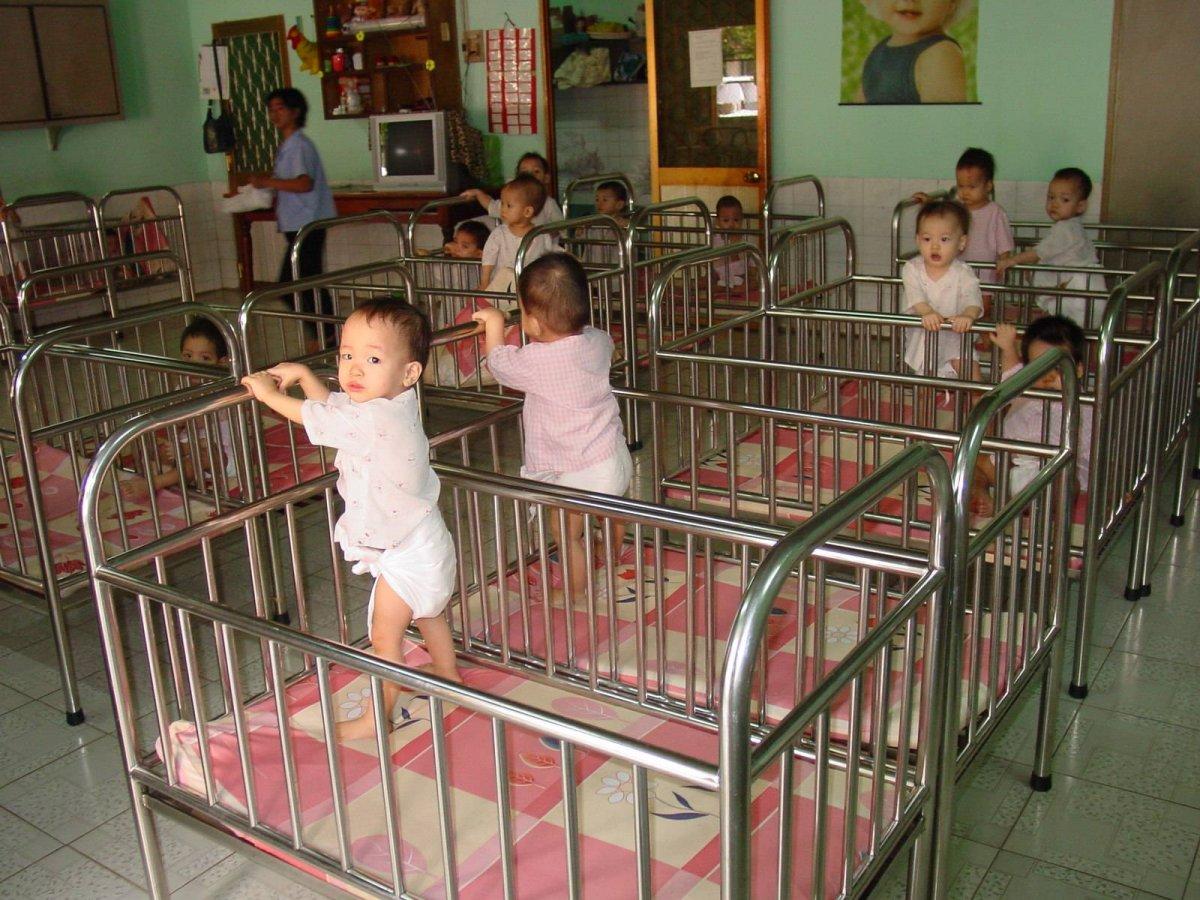 Adoptii copii. Cat de greu e sa adopti un copil in Romania