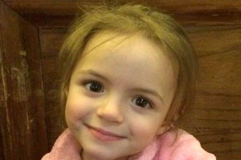 Si-a inecat fiica de 4 ani, apoi i-a dat foc. De ce si-a ucis aceasta femeie copila