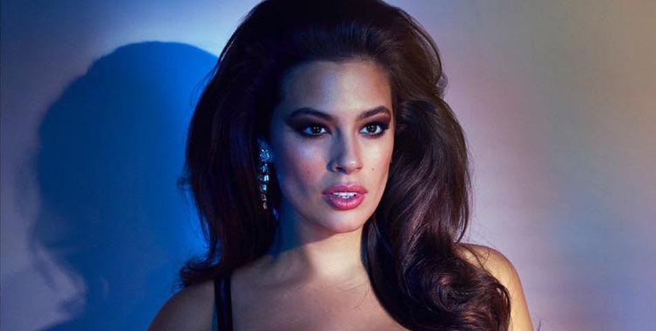 Ashley, cel mai cunoscut model plus size, a pozat goală.
