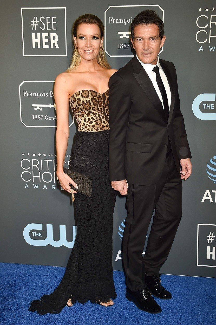 cupluri premiile sag 2019 Antonio Banderas si Nicole Kimpel