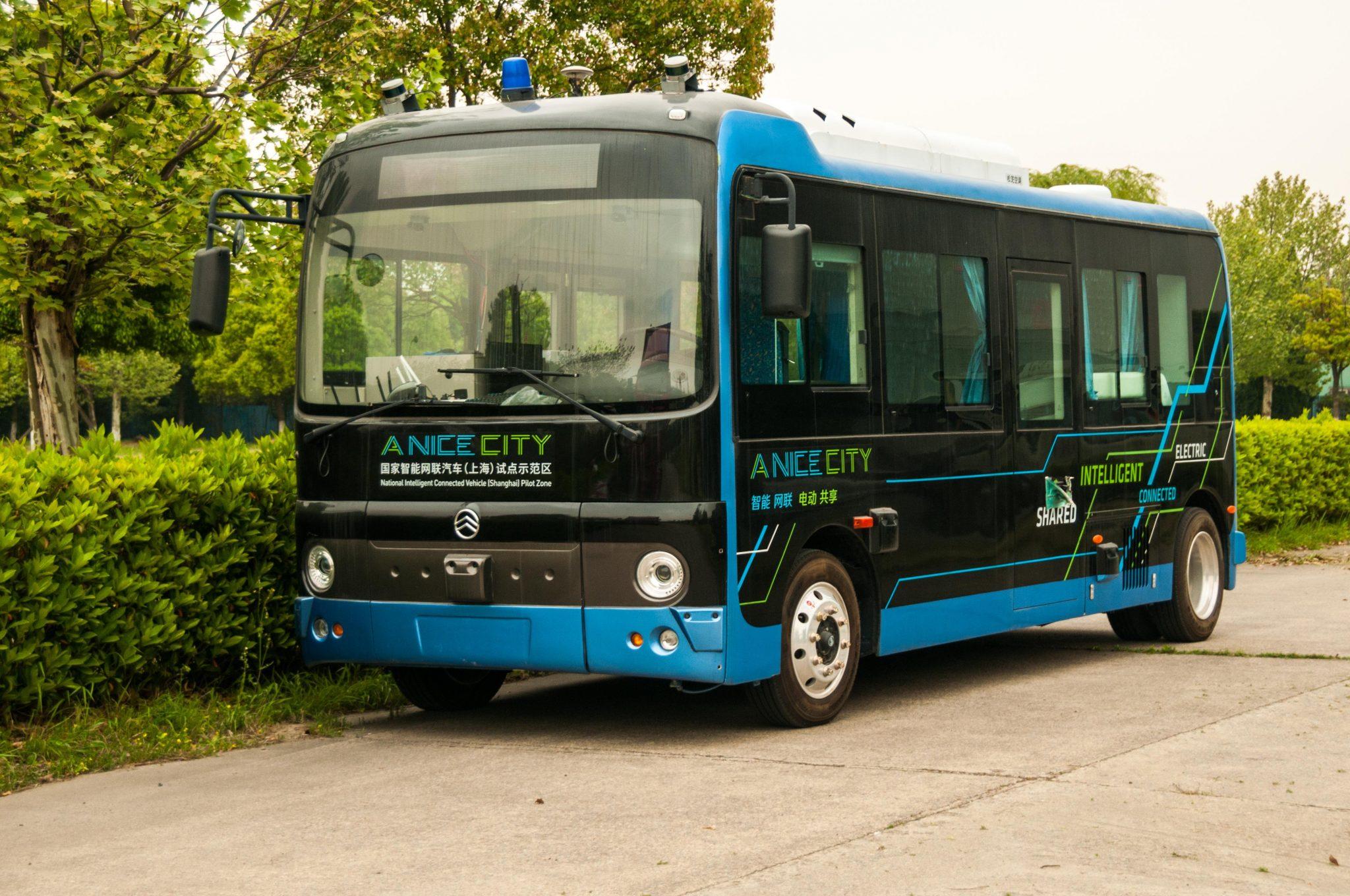 Autobuzele care se conduc singure apar in 2020. O singura tara din Europa le va folosi, momentan