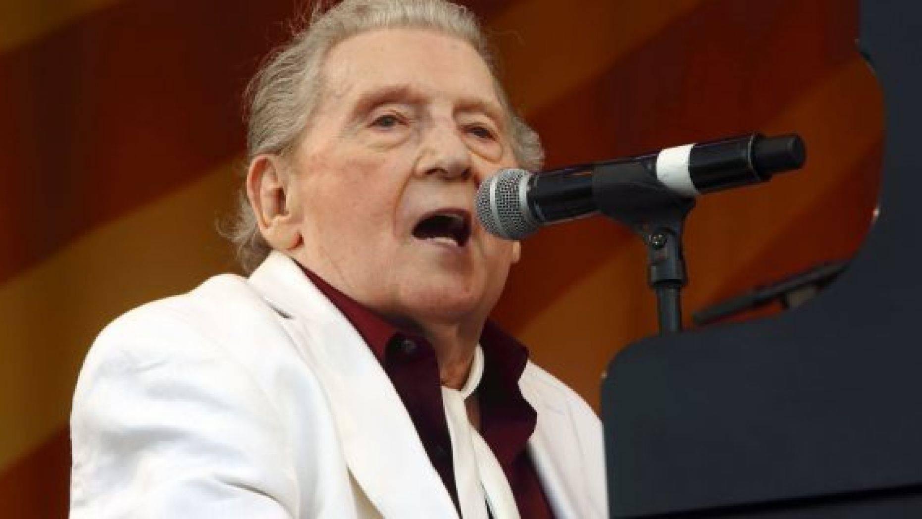 Cantaretul Jerry Lee Lewis a suferit un accident vascular cerebral