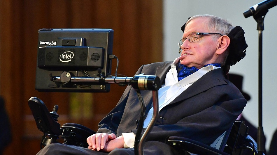 Ce infractiuni a comis asistenta lui Stephen Hawking