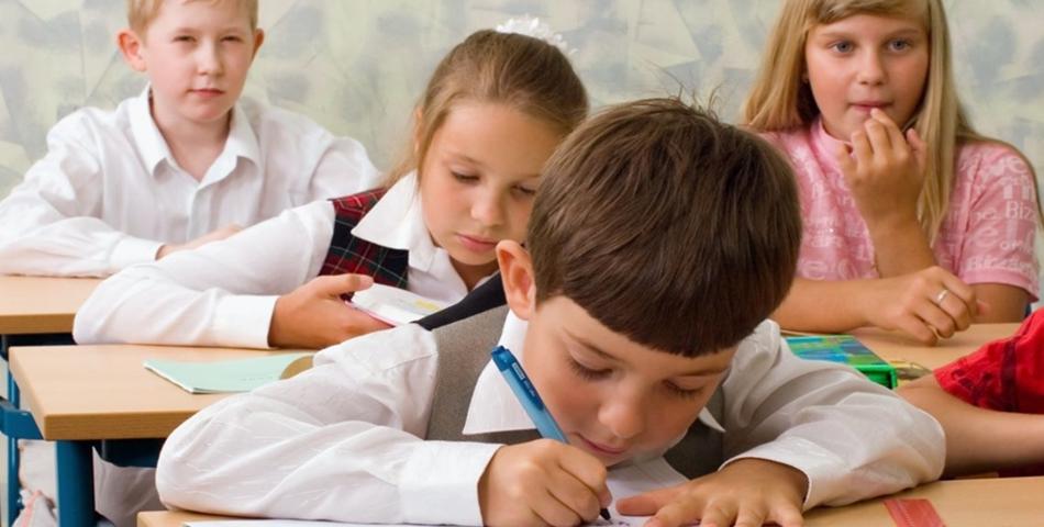 Copiii nevaccinati sub sase ani vor fi interzisi din scoli