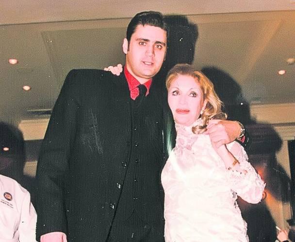 Fapta de neiertat pentru fiul Zinei Dumitrescu