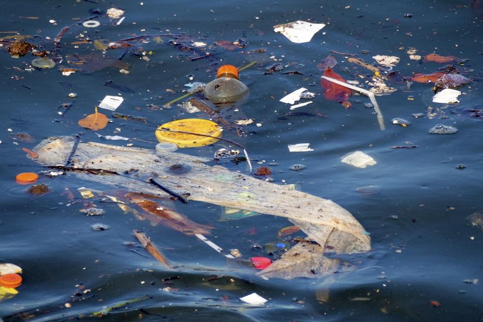 Materialul care opreste poluarea cu plastic din oceane