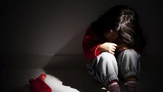 O fetita de 11 ani a nascut desi habar nu avea ce i se intampla. E ireal cum a ramas micuta insarcinata