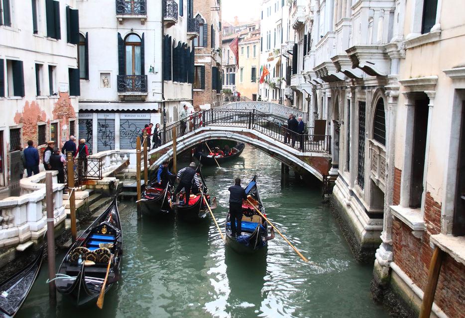 Taxa de turist in Venetia a crescut. Cati bani platesti pentru o zi de vizita