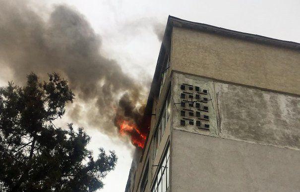 Tragedie in Oradea! un tanar a dat foc apartamentului sau