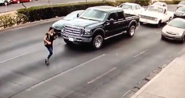 Un patron de televiziune din Romania a lovit o fata cu masina