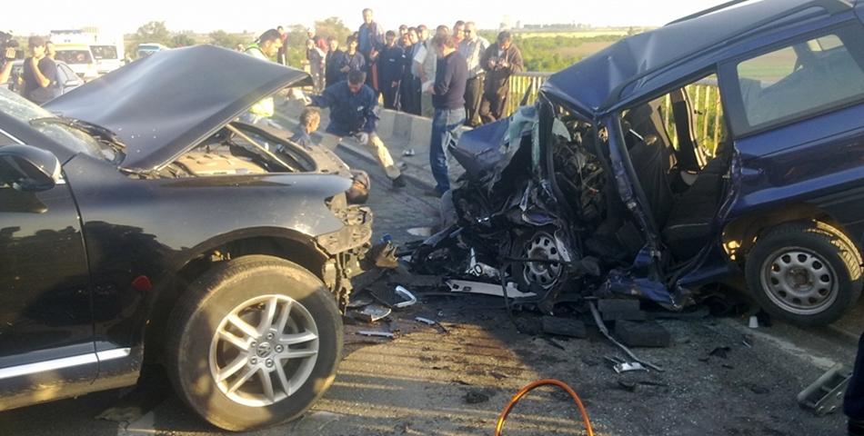 Accident teribil pe Autostrada A1, soldat cu 10 victime