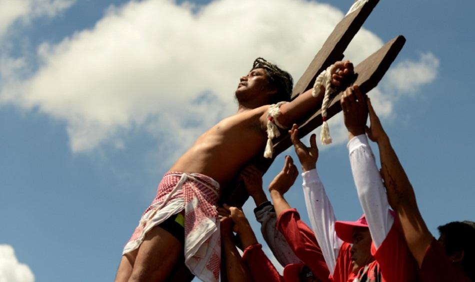 Barbatul care cere sa fie crucificat ca Iisus