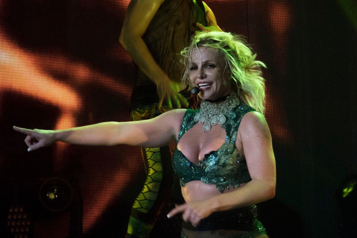 Britney Spears, internata intr-o clincia de psihiatrie