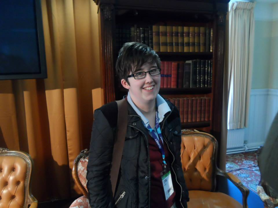 Jurnalista Lyra McKee a fost impuscata mortal in cap