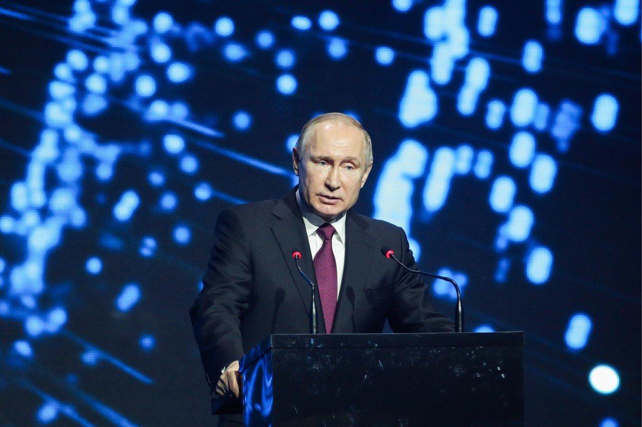 Vladimir Putin, ingropat de rusii furiosi pe el