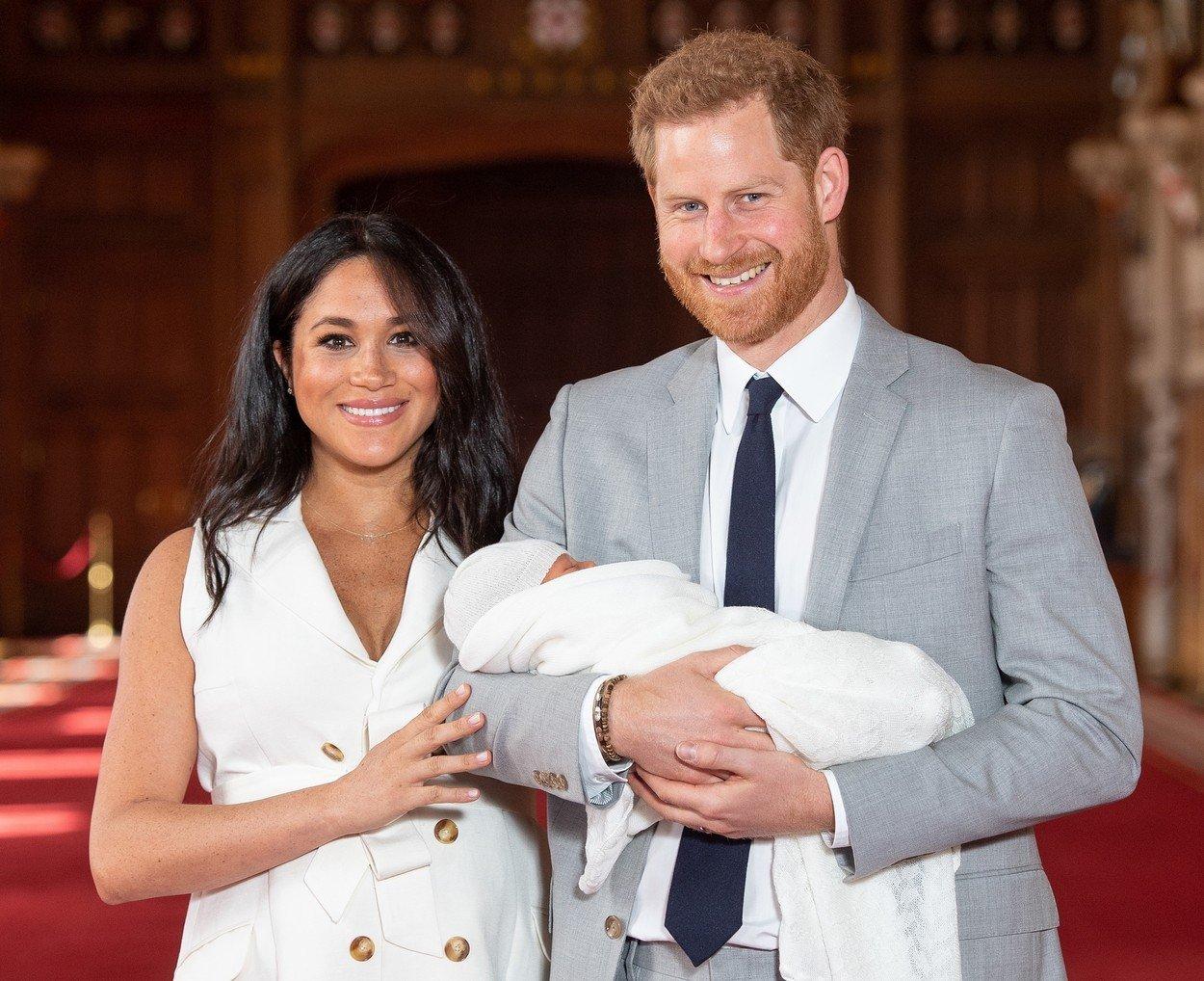 Bebelusul regal are un nume! Cum il cheama pe fiul lui Meghan Markle si Printul Harry