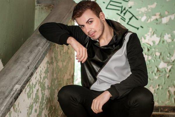 Cine apare pe hardurile lui Razvan Ciobanu. Keky, cantaretul pe tocuri, a divulgat tot ce stie!